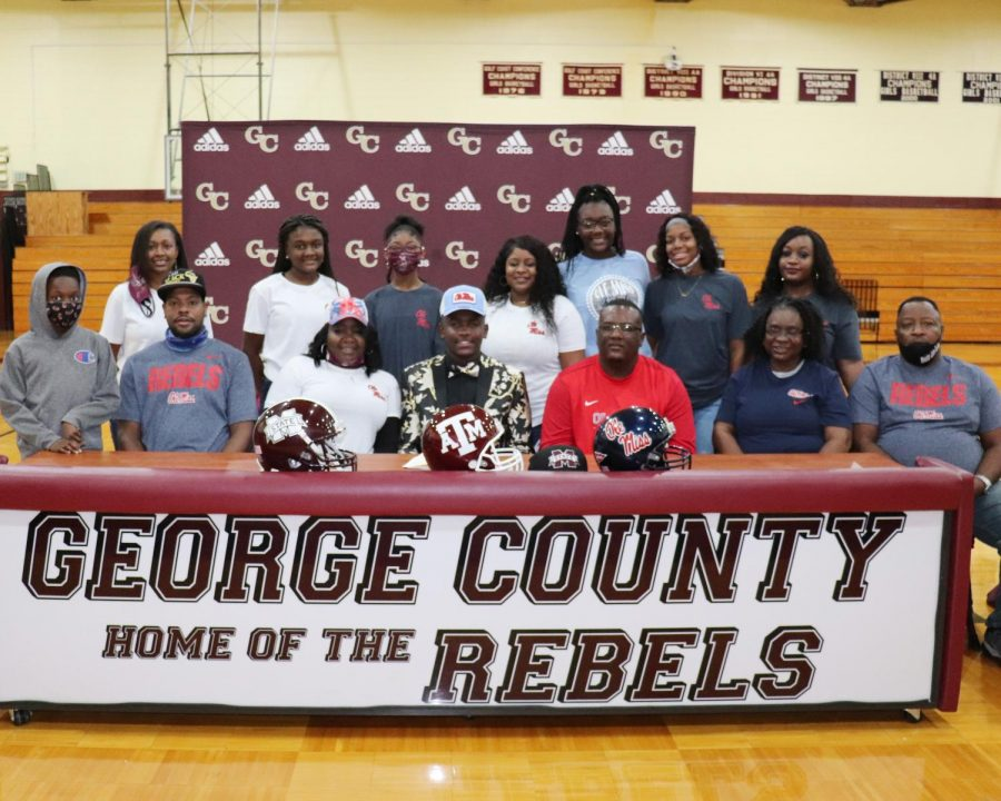 MJ Daniels signs for Ole Miss to play football.